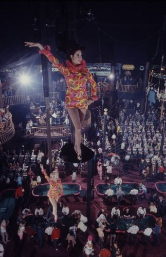Circus Circus 12