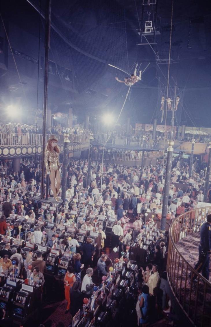 Circus Circus 4